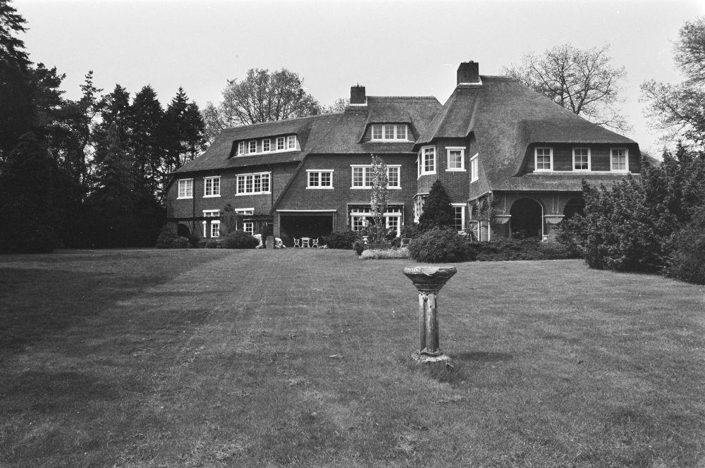Mentens villa aan de Vliegenweg in Blaricum.