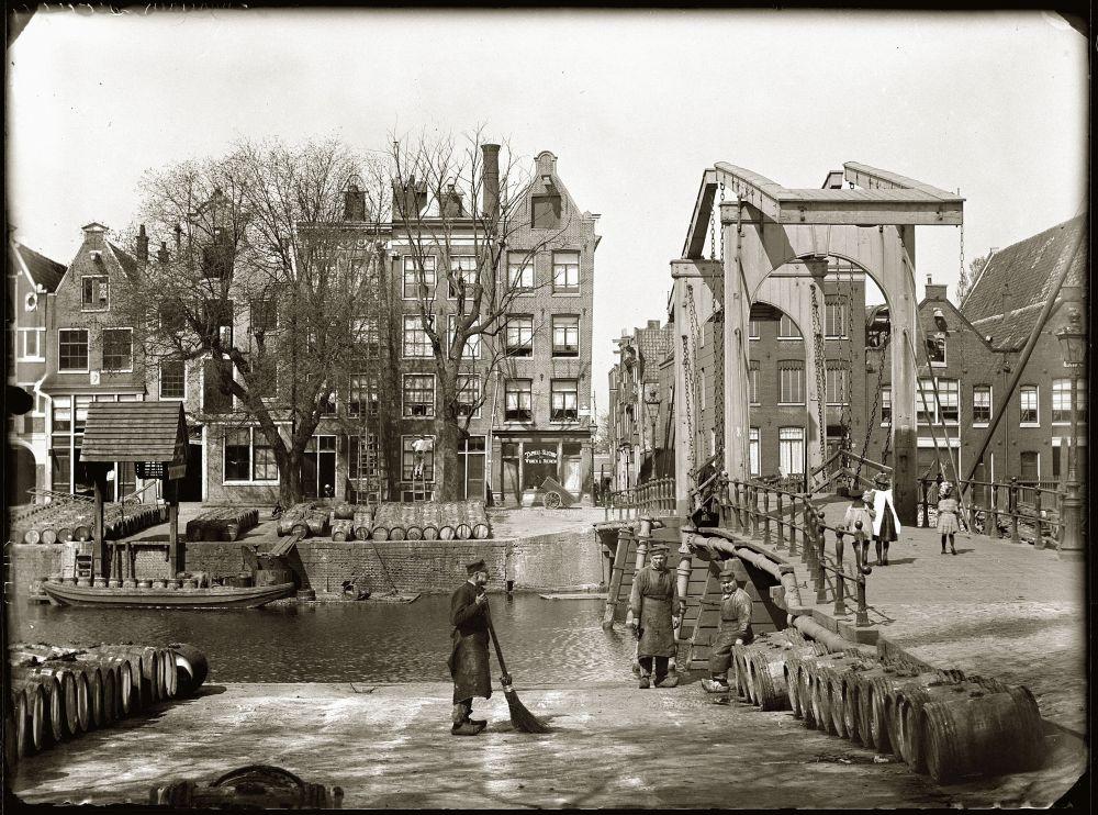 Jacob Olie, Kade op het Prinseneiland, gezien naar de Nieuwe Teertuinen, 1890. Beeld: Stadsarchief Amsterdam.