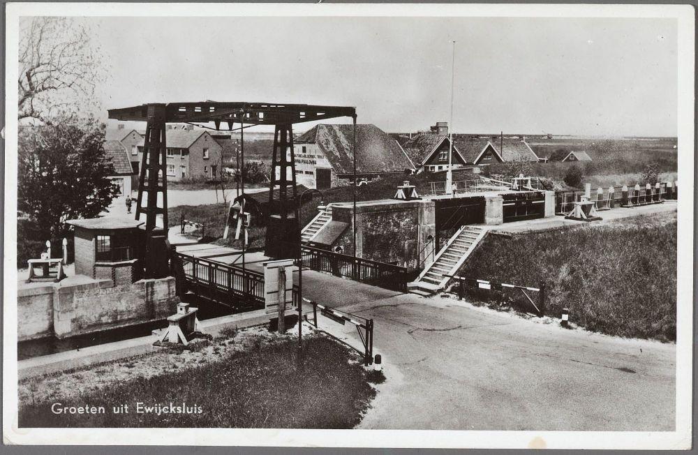 De brug bij de Van Ewijcksluis.